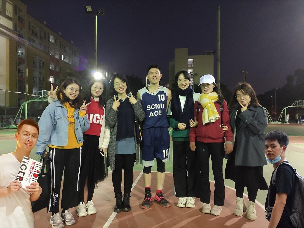 2020年11月 2018级学生团队举办荣球赛